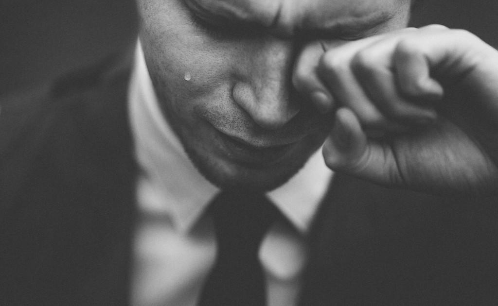 これってうつ病?仕事で自然と泣く時がある状態の人は気をつけて ...